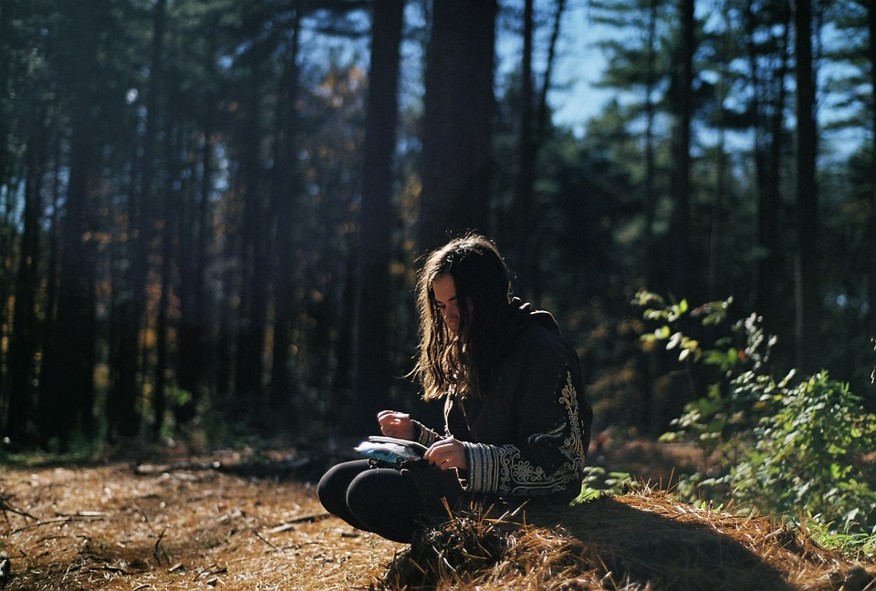 girl_in_the_forest.jpg