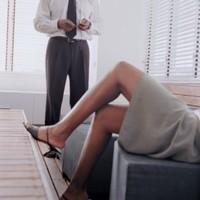 A kemény munka hűtlenné teszi a férfit?