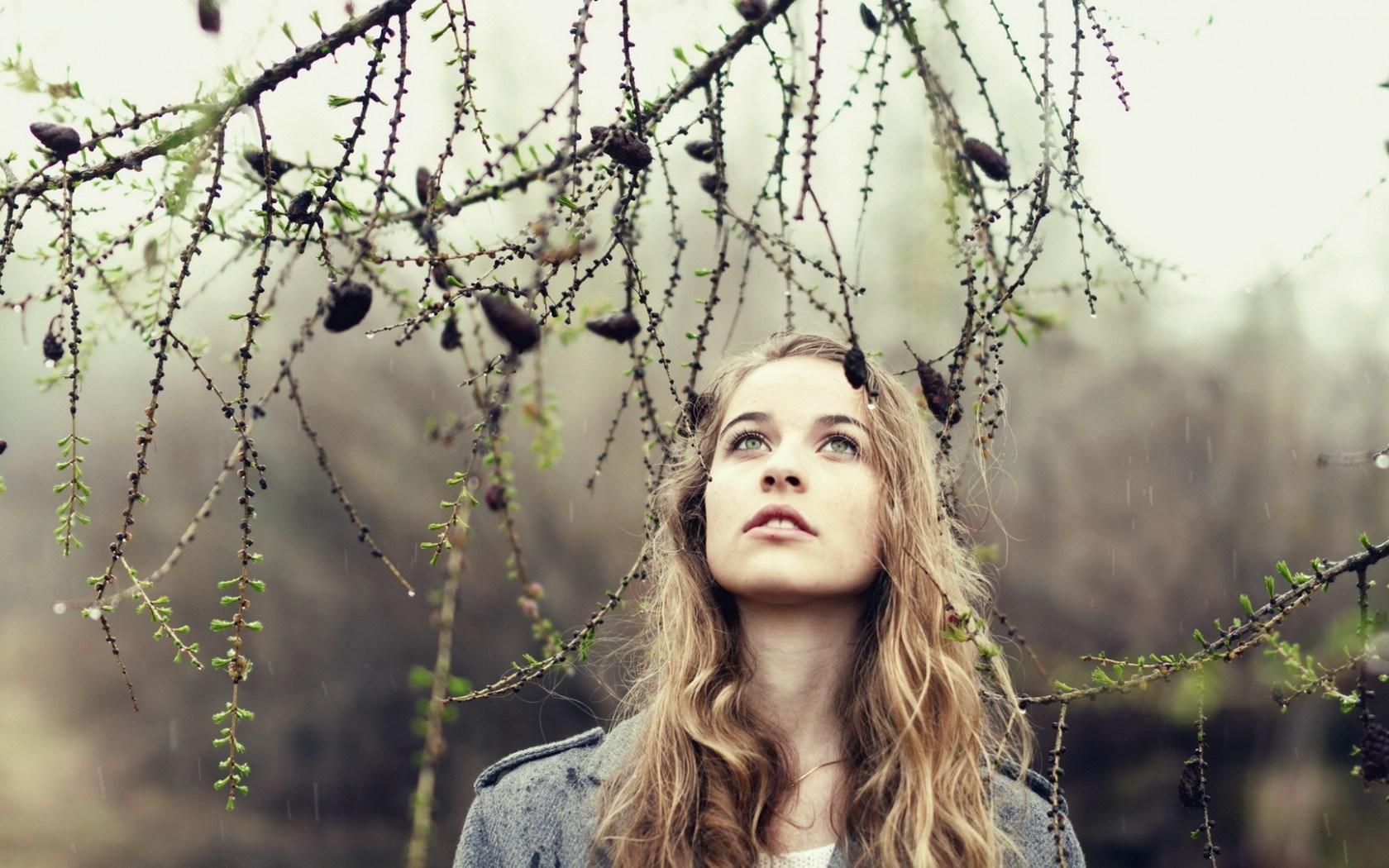 6923337-blonde-girl-mood-tree-rain.jpg