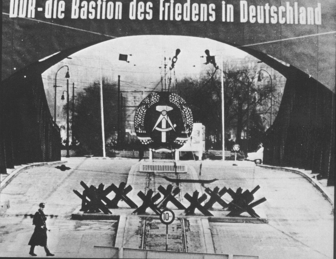 BERLIN WALL 07.jpg