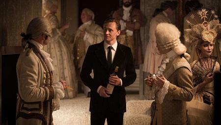 Tom Hiddlestonnak a filmben semmi szerepe nincs...
