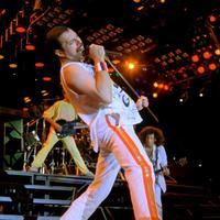 Tavaszi szél vizet áraszt: 30 éve koncertezett nálunk a Queen