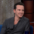 Tom Hiddleston + Andrew Scott + Stephen Colbert + Shakespeare = Tökély