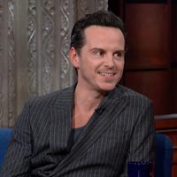 Tom Hiddleston + Andrew Scott + Stephen Colbert + Shakespeare = Tökély