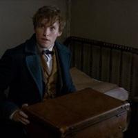 Eddie Redmayne varázsol, de ami még jobb, Tom Hiddleston egy rejtélyes toronyba költözött