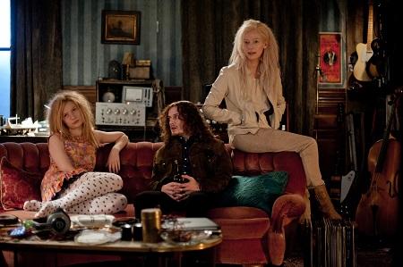 Ebben a filmben a vámpírok nem csillognak, de legalább csinosak.