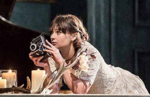Sian Brooke mint Ophelia (2015).