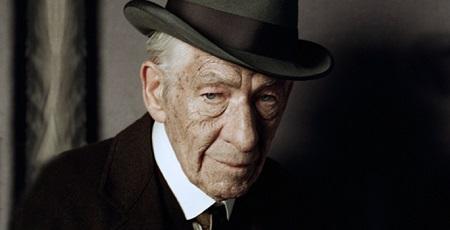 2015-ben Sir Ian McKellen alakítja majd az idős Shelock Holmest a Mr. Holmes c. mozifilmben. Az idős detektív egy gyönyörű nő miatt keveredik majd újra kalandokba...