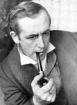Vaszilij Livanov. 1979 és 1986 között játszotta Sherlock Holmest, alakításáért az angol királynő is kitüntette, 2006-ban. Watsont Vitalij Szolomin játszotta.