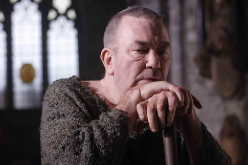 John Newton (Albert Finney) A szabadság himnusza c. filmben