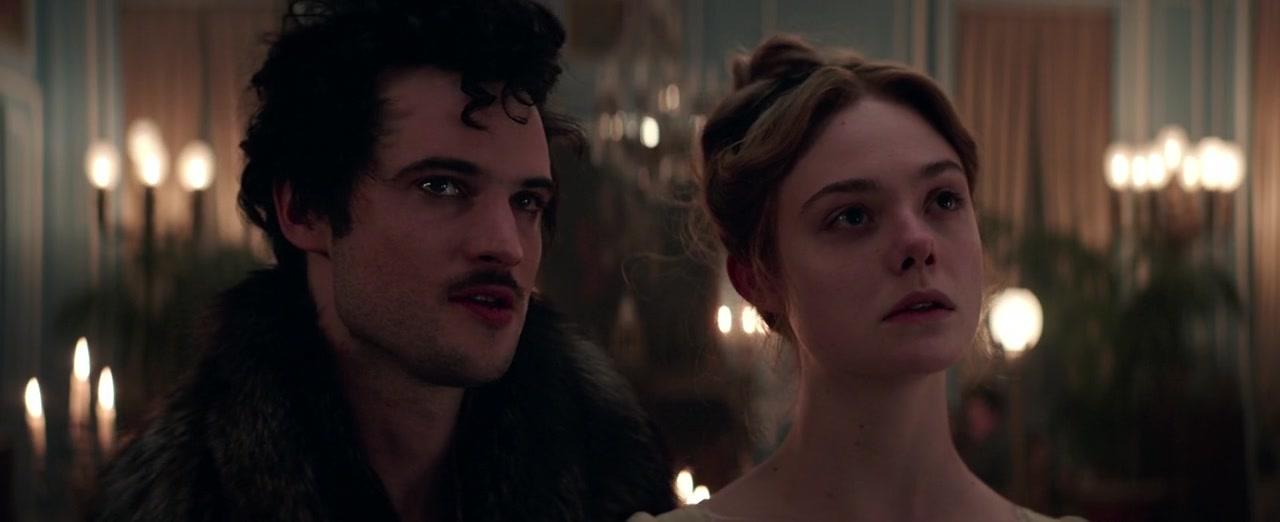 Lord Byron (Tom Sturridge) és Mary Shelley (Elle Fanning) a Mary Shelley c. filmben.