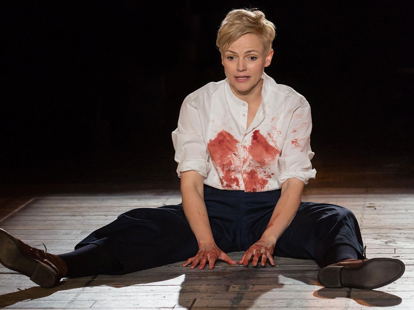 Maxine Peake színésznő 2002-ben Opheliát játszotta, 2014-ben viszont Hamletként állt színpadra, hatalmas sikerrel.