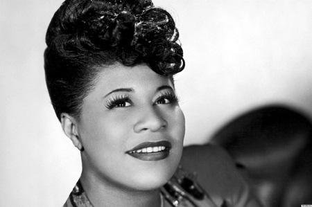 A dalt Ella Fitzgerald is földolgozta.