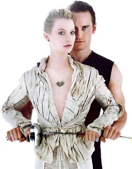 Jane Eyre és Mr. Rochester, karddal.