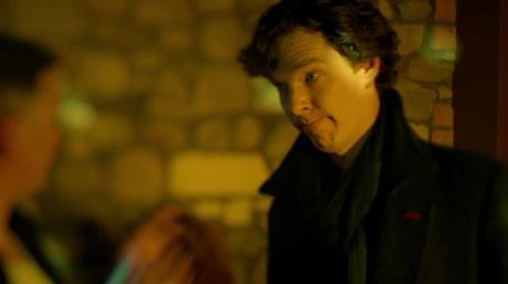 Azt, hogy Sherlock tudományos alapon próbál nem berúgni (sikertelenül) Stephen Thompson írta. Stephen Thompsonnak köszönhetjük a 2. évad 3. részét is. Azt a felejthetetlenül zseniális részt...