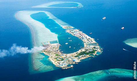 http://www.bluepeacemaldives.org/blog/hazardous-waste/thilafushi-toxic-bomb-in-the-ocean