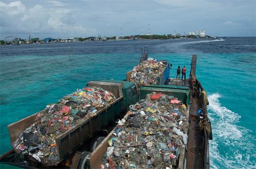 http://m.ammoth.us/blog/2010/02/thilafushi/