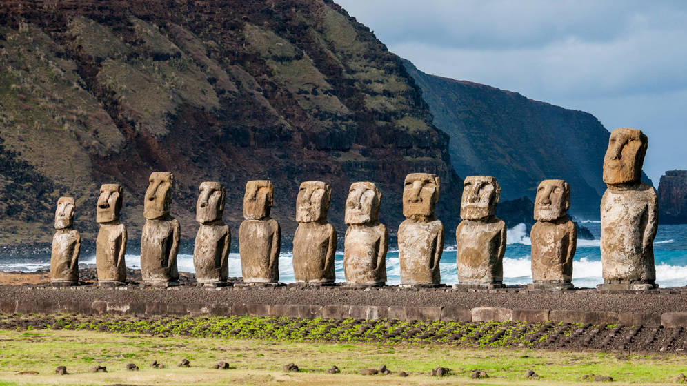 https://www.elconfidencial.com/alma-corazon-vida/2017-07-18/desaparicion-habitantes-isla-de-pascua-moai_1416618/
