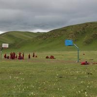 Képek Kisinből 11: Kosarazó szerzetesek