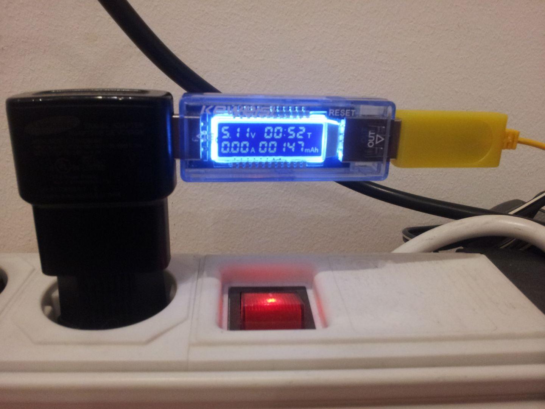 Eachine akkumulátor (150mAh) töltése Samsung USB töltőről, 52 perc.