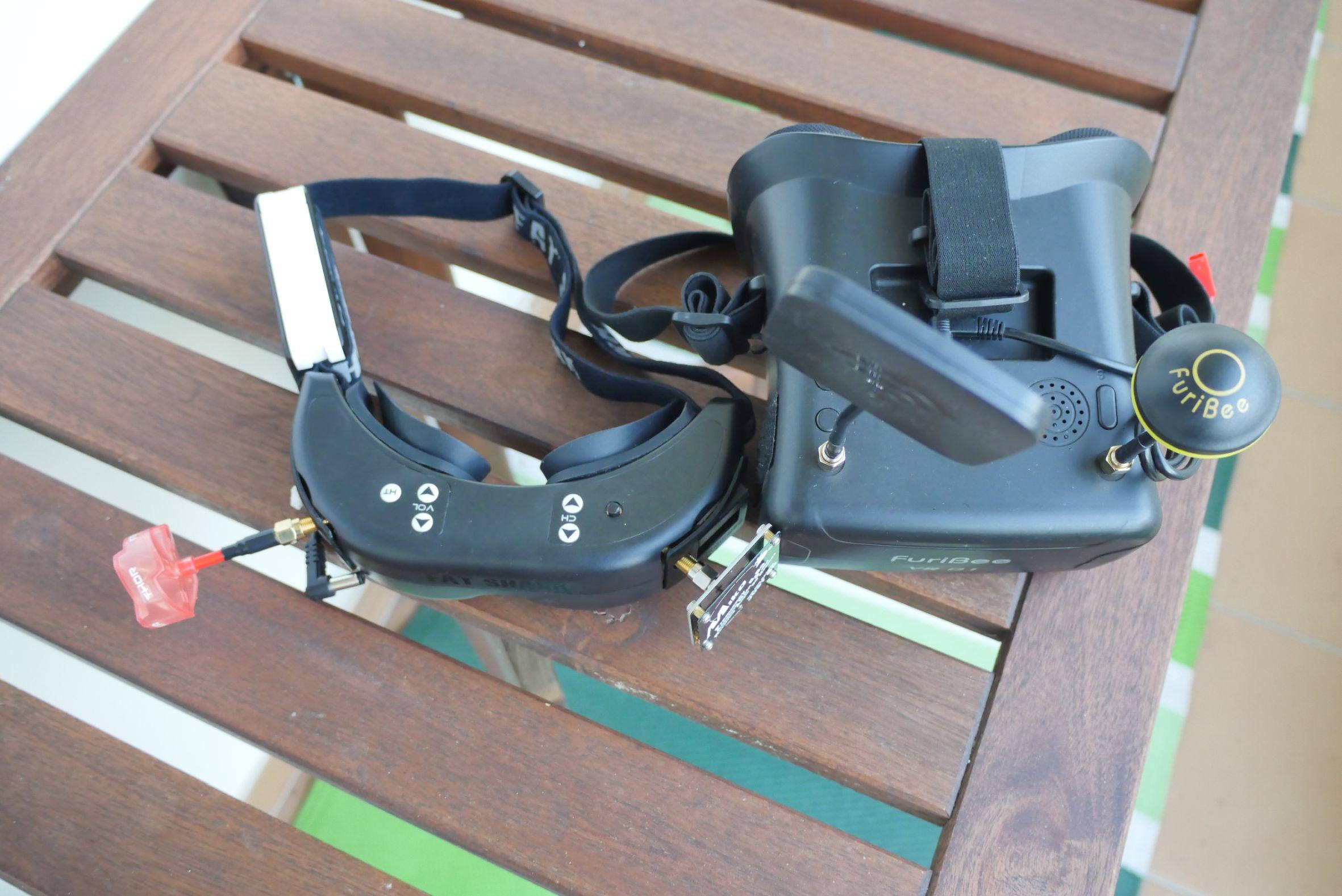 Fatshark Dominator V1 FPV szemüveg teszt – Kiscápa, de nem BMW