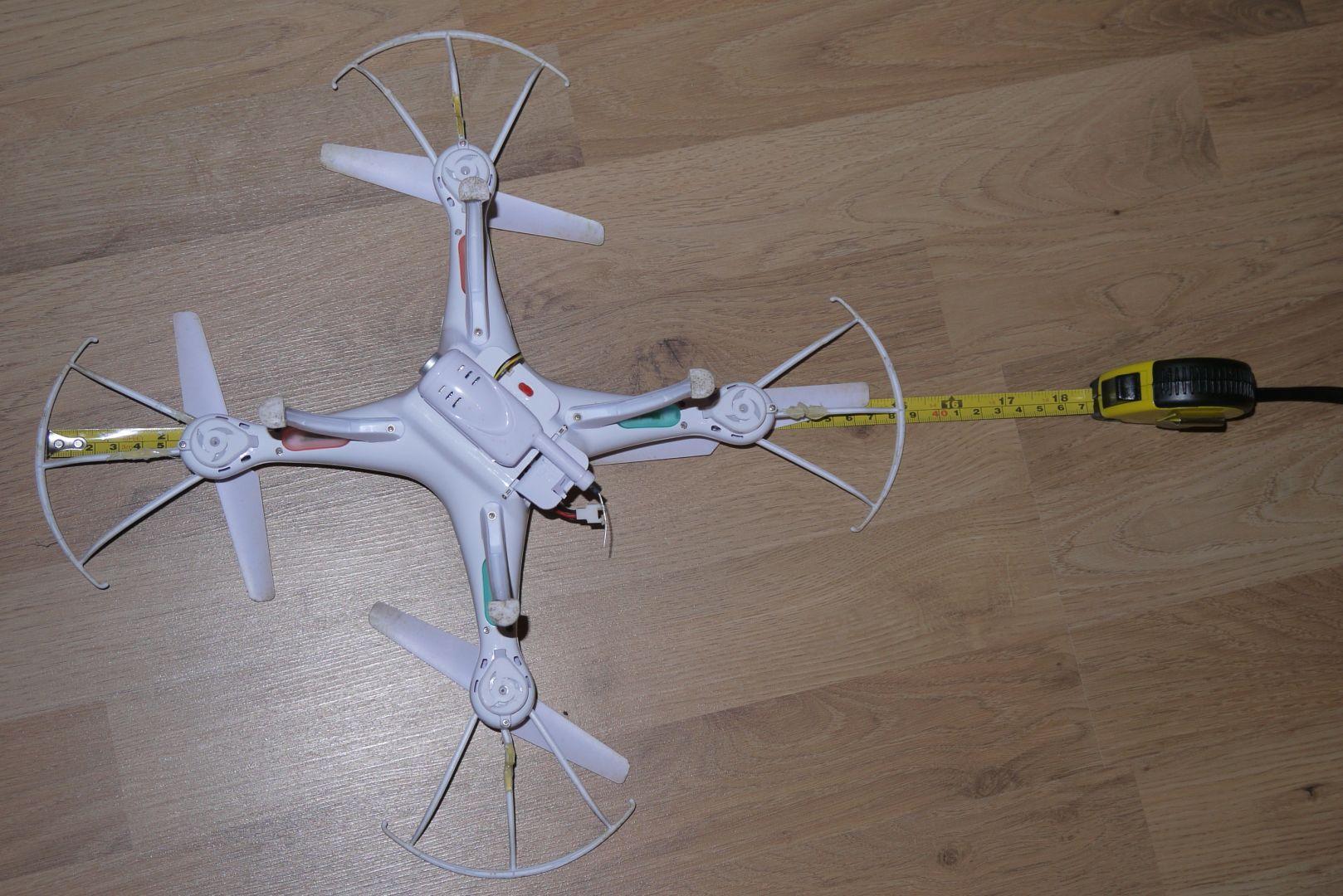 39 centi szélesség propeller védőtől védőig.