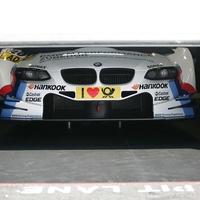 Már Tomczyk is ismerkedik - Új autójában a 2011-es bajnok