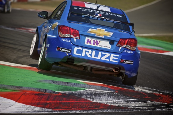 wtcc%20zolder%20david%20noels%20216%20-%20Version%202[1].jpg