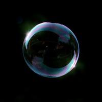 Mi az ami egyenesen arányosan növekszik, és gömb alakú? Isten.