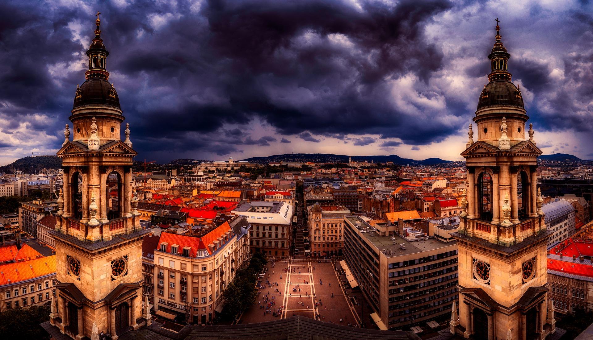 budapest-2420749_1920.jpg
