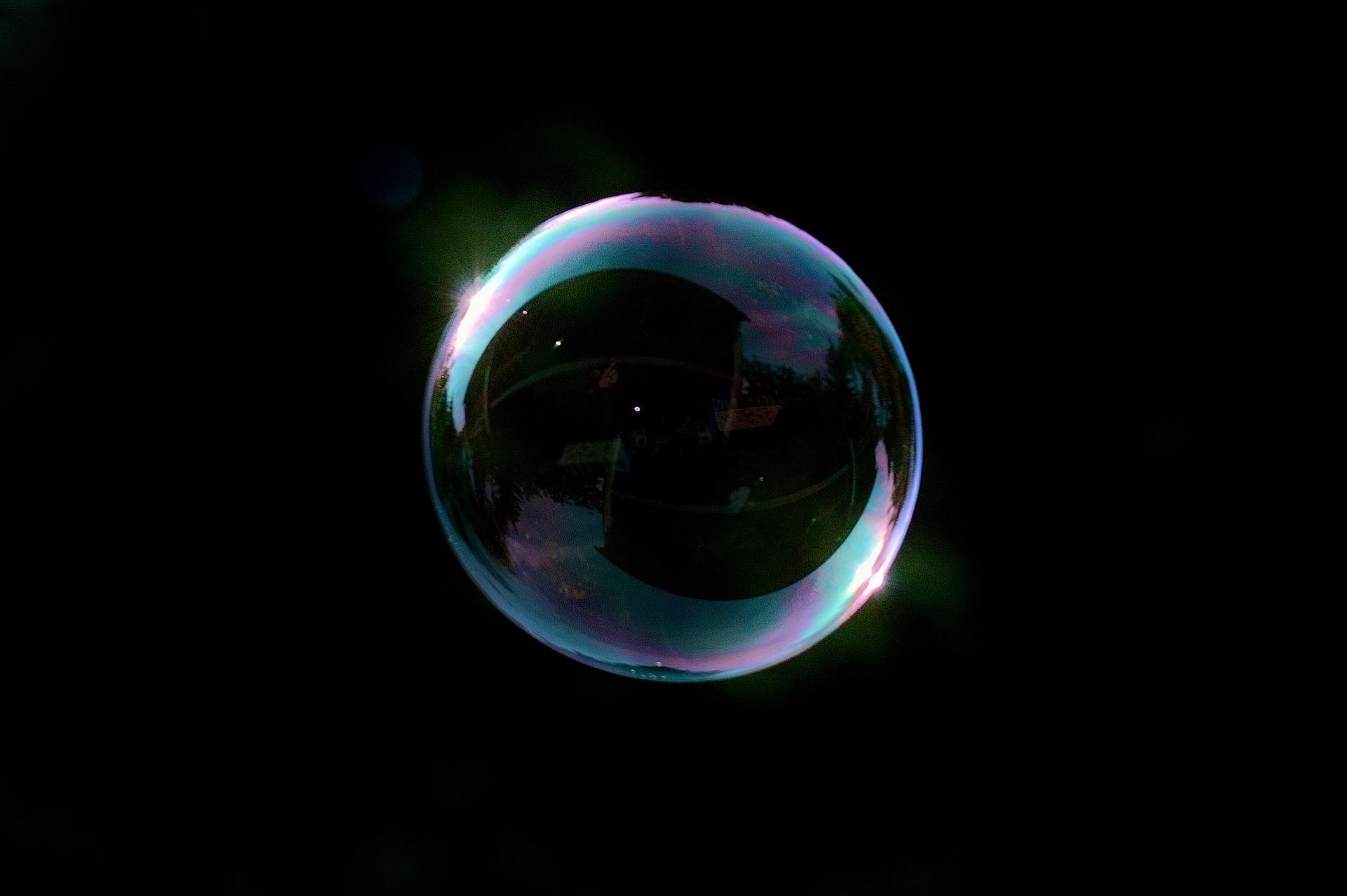 soap-bubble-817421_1920.jpg