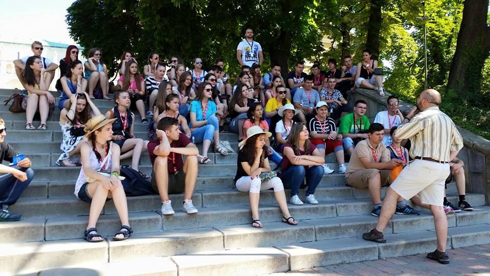 Várszegi Csaba előadása a Bazilika lépcsőinél