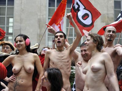 nudes-strike.jpg