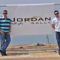 Késéssel indul a Jordán rally, de Friciék addig sem tétlenkednek