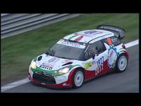 Rossi, Dovizioso, Lorenzo raliautóban emlékezik Simoncellire