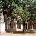 San Vitale szobra egy átriumos udvarban