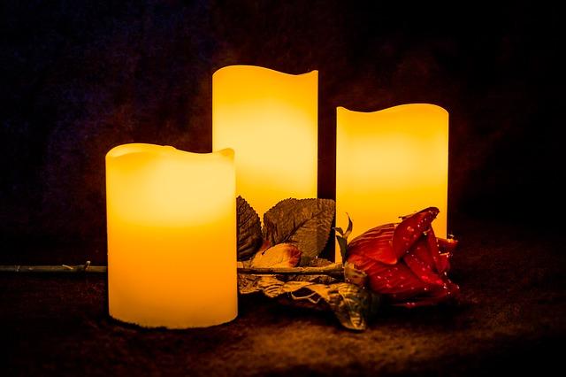 candle-2912781_640.jpg