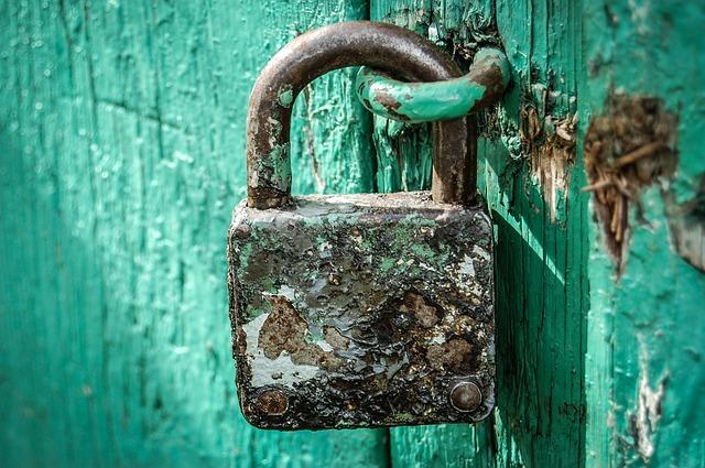 padlock-428549_640.jpg