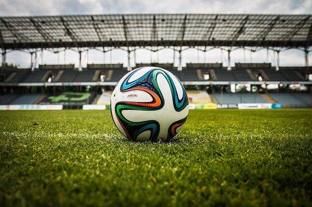 soccer-gd34342d4e_640.jpg