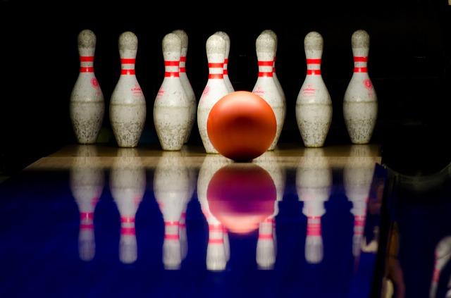 bowling-596766_640.jpg
