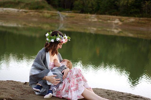 breastfeeding-2435896_640.jpg