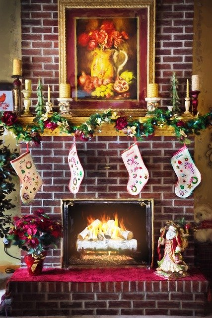 christmas-fireplace-1875871_640.jpg