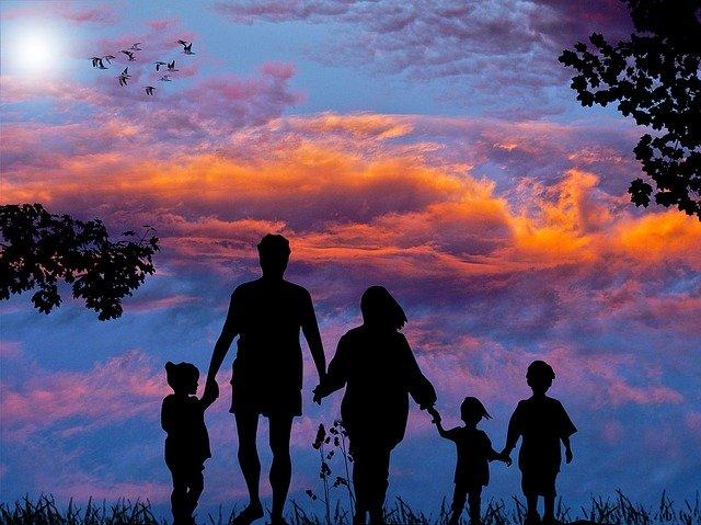 family-1517192_640.jpg