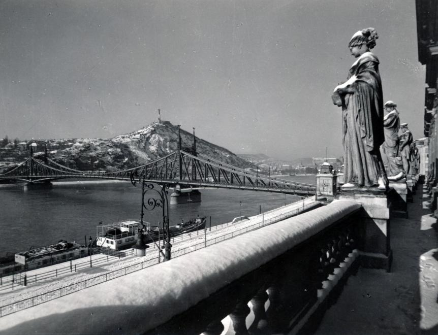 A 100 éves budapesti éjszakák