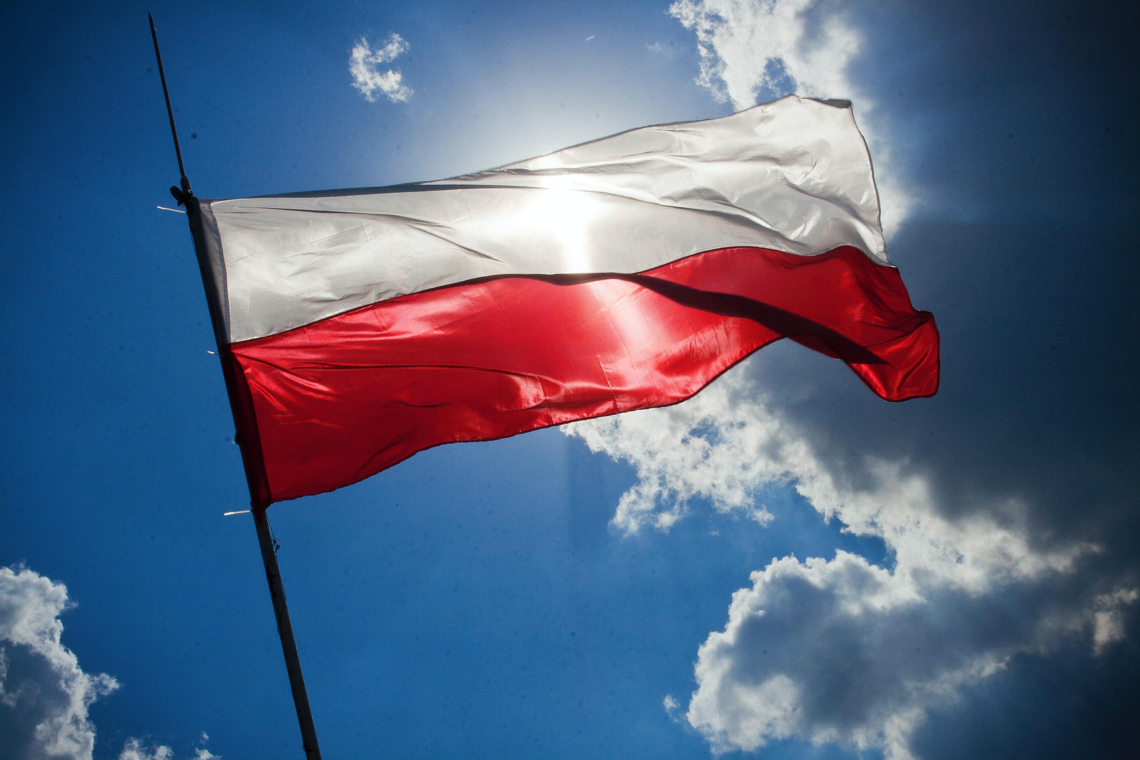 Lengyel lépések az online szólásszabadságért