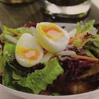 Karalábés saláta lágy tojással