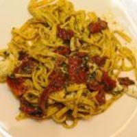 Tagliatelle con pesto alla siciliana (Vacsoracsata)