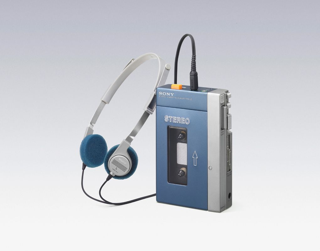 10_1979_sony_walkman_tps-l2_1.jpg
