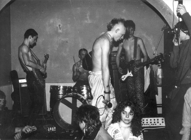 1983_punk_cpg_kozakter_fotomedia_zetenyi_zoltan_83_04.jpg
