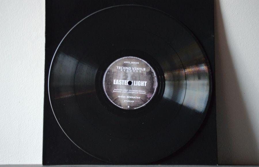 techno_vinyls_bernathy.jpg